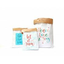 (No. 82103) Set a 3 Paperbag Xmas designed by Carla Kamphuis
