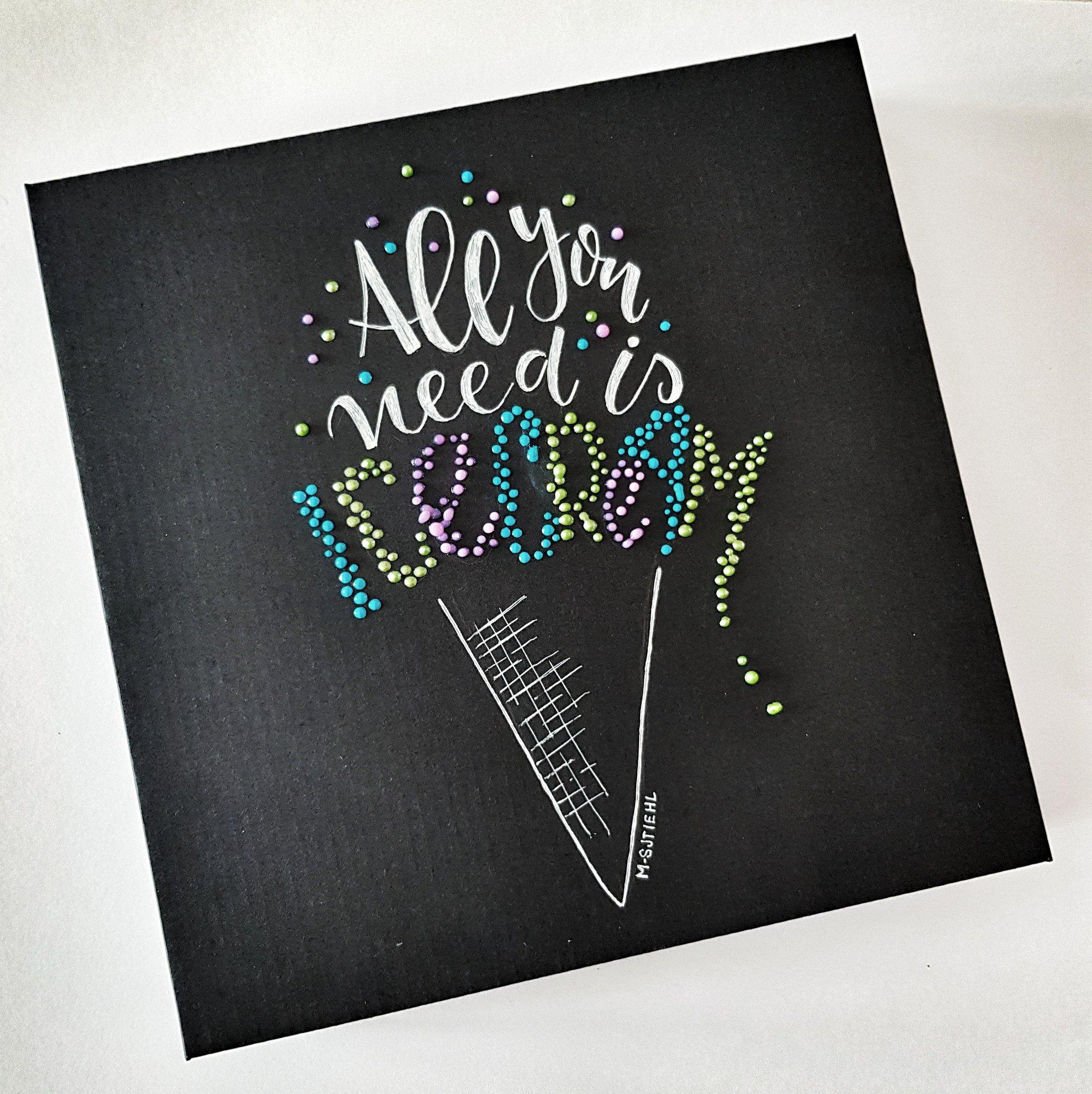 Letteren op het mooie zwarte canvas!